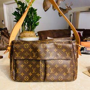 Authentic Louis Vuitton shoulder bag💯